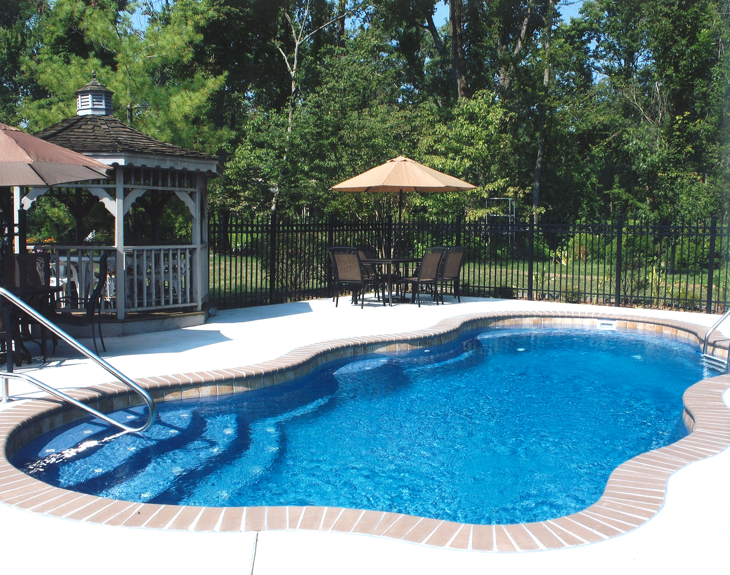 Which Pool is Right for You? - Blue Haven Pools