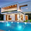 Your Guide to Pool Lighting